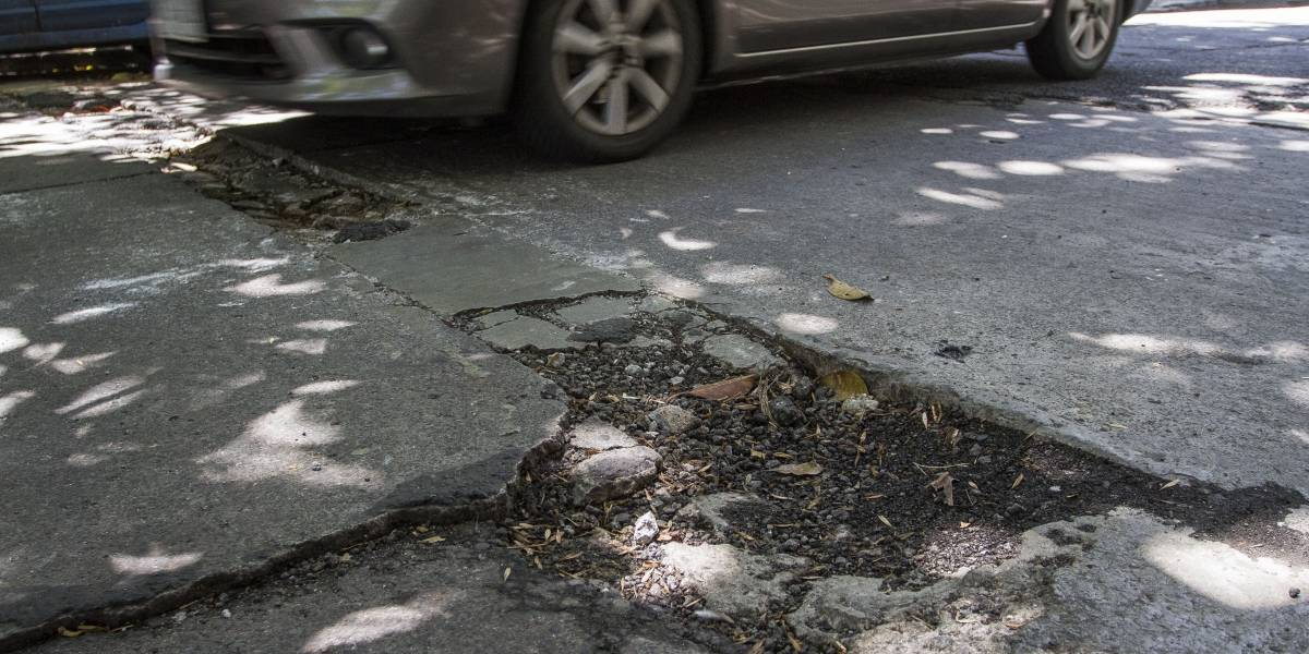 Más de 60% de daños por baches no se pagan