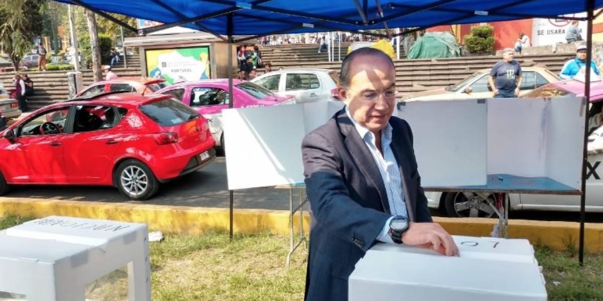 Felipe Calderón renuncia a militancia del PAN