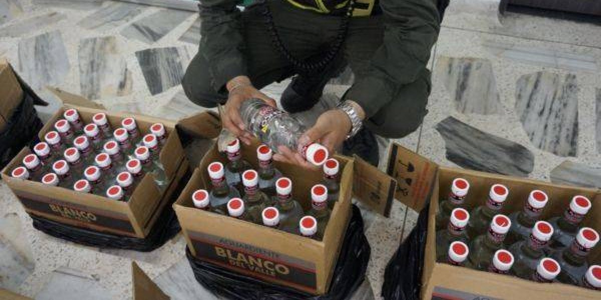 Incautan 6 mil botellas de ron ilegal y 150 cajas de cigarrillos