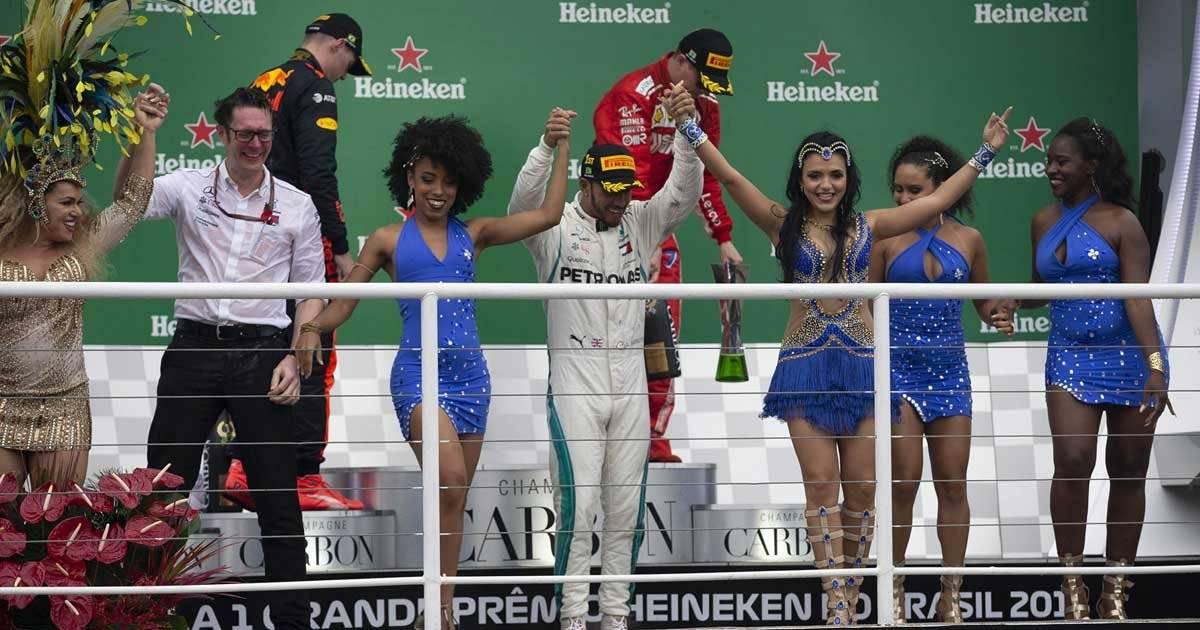 Lewis Hamilton no pódio do GP do Brasil Foto: André Porto / Metro Jornal
