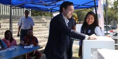 Votación interna del PAN.