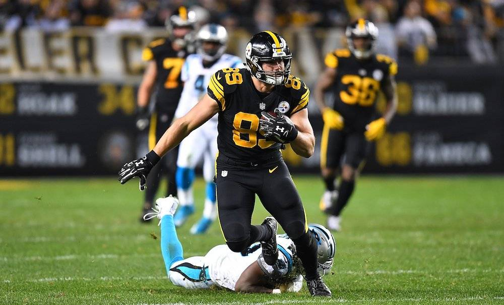 Panthers 21-52 Steelers / Getty Images