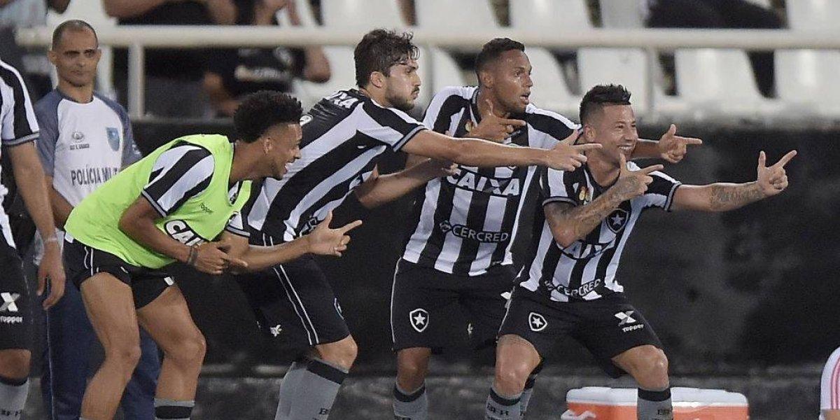 Gol imposible y asistencia de lujo: Leo Valencia brilló y le dio el triunfo a Botafogo en el clásico ante Flamengo