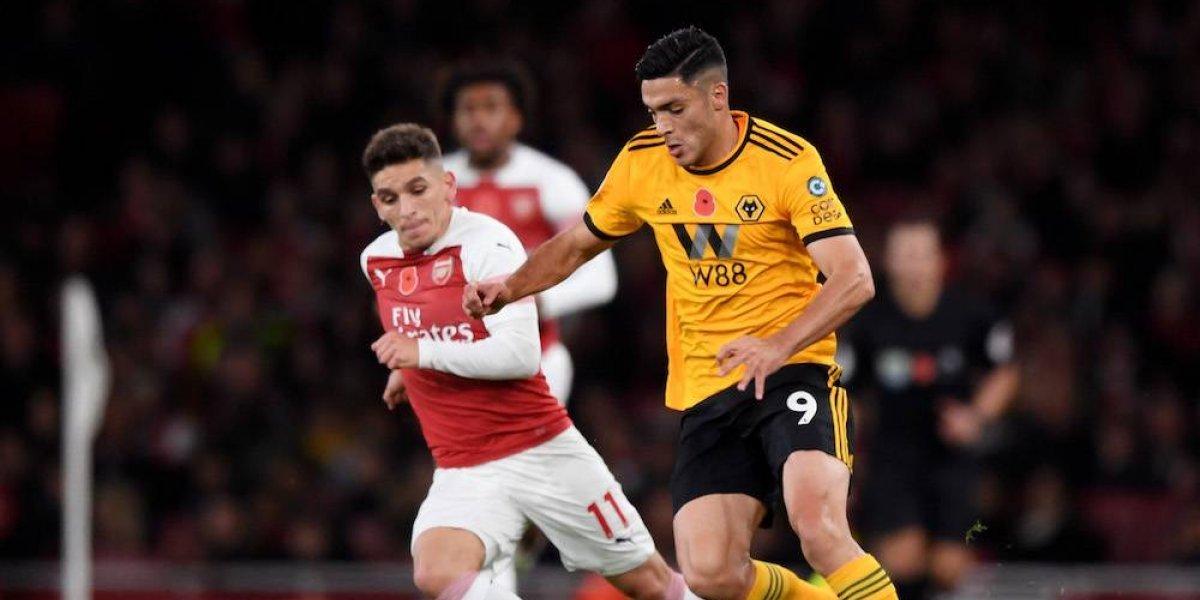 Jiménez da asistencia en empate del Wolverhampton con el Arsenal