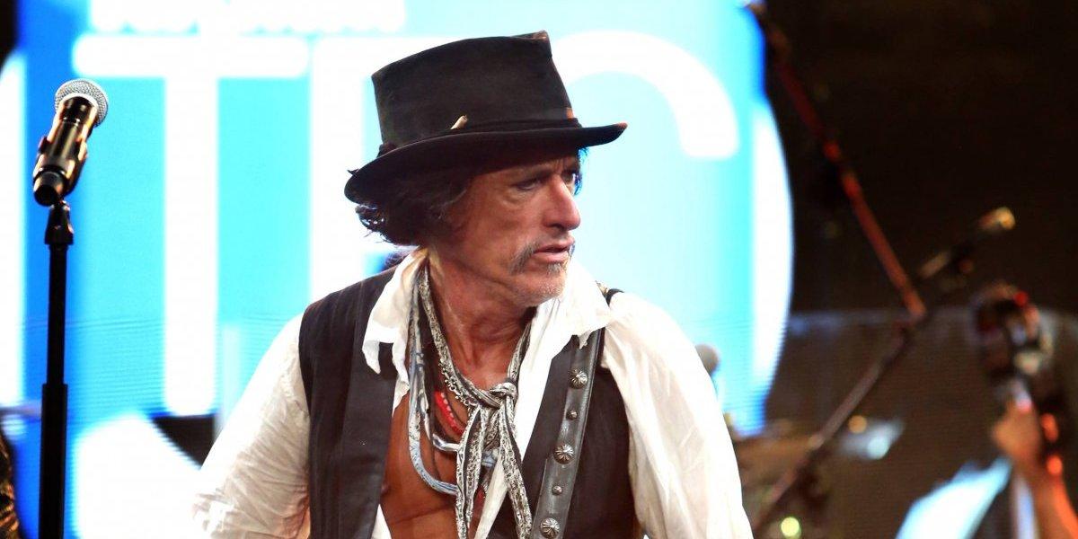 Joe Perry de Aerosmith sigue hospitalizado
