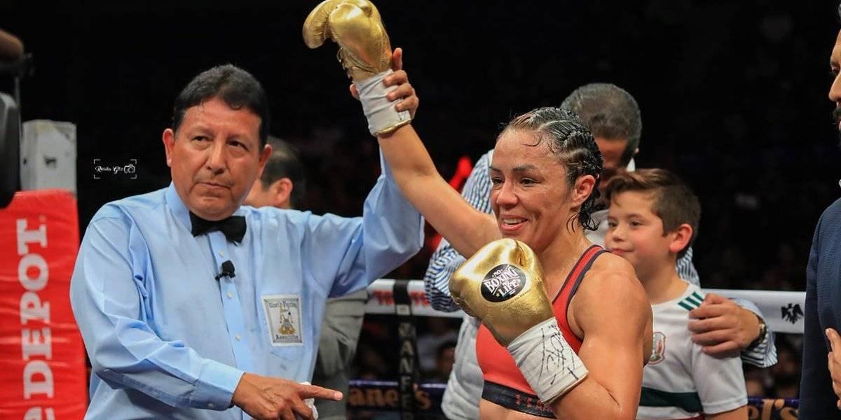 Jackie Nava se proclamó campeona mundial tras noquear a la 'Fiera' Álvarez