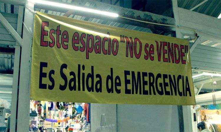 Salidas de emergencia fueron vendidas, acusan locatarios UNO TV