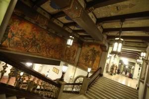 El Palacio Nacional de la Cultura fue iluminado durante su 75 aniversario.