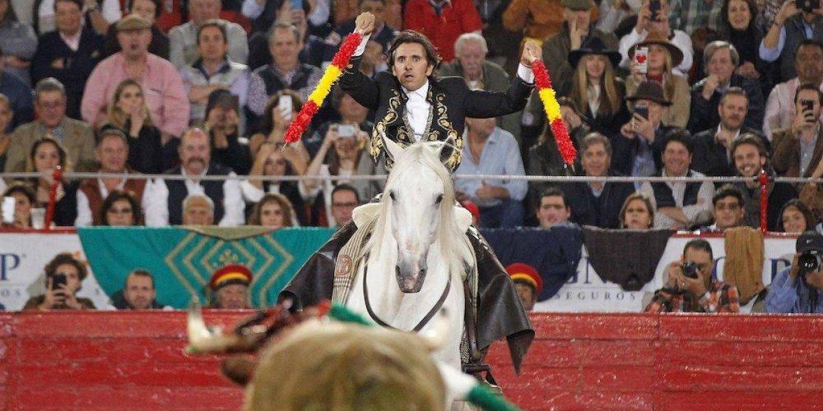 Diego Ventura indulta a un toro en primera corrida de la Temporada Grande