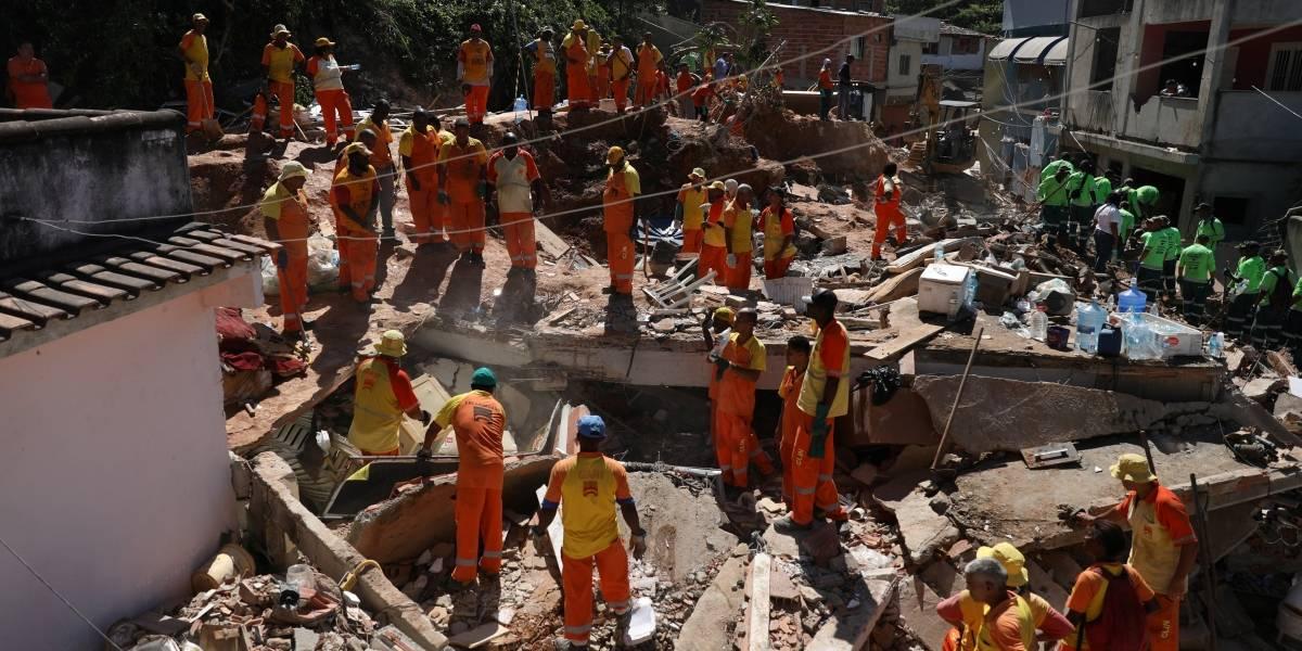 Mais de 20 famílias estão desabrigadas após deslizamento em Niterói