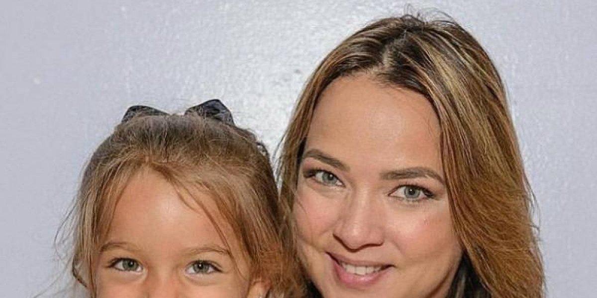 Adamari López recibe visita de su hija Alaïa en el hospital