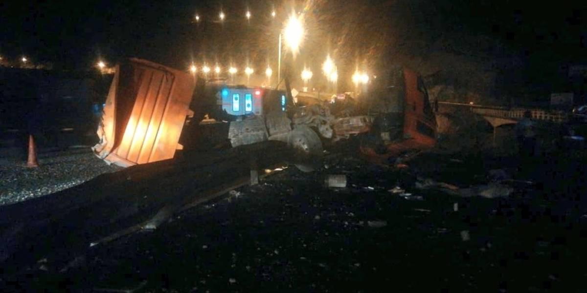 Un fallecido y un herido tras accidente de tránsito en el Puente de Guayllabamba