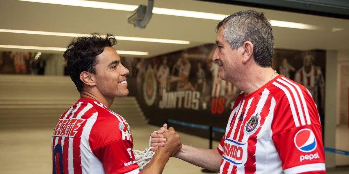 Vergara agradece a Omar Bravo haber hecho historia en Chivas