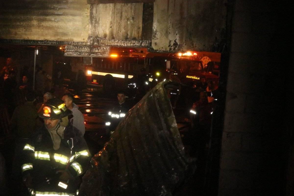 Los vecinos llamaron a los Bomberos Voluntarios para atender el incendio. Foto: Bomberos Voluntarios