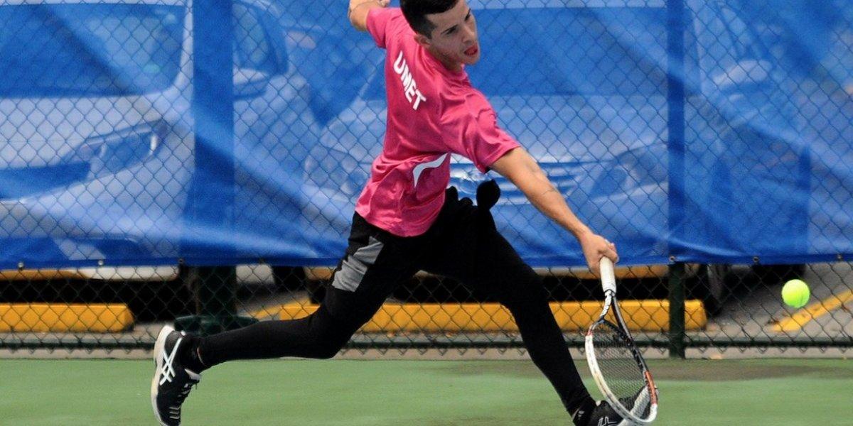 Juanas y Taínos dominan el tenis universitario