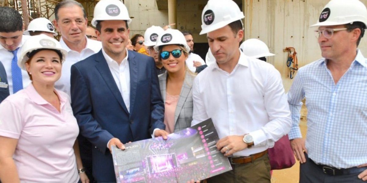 Rosselló supervisa adelantos de proyecto District Live!