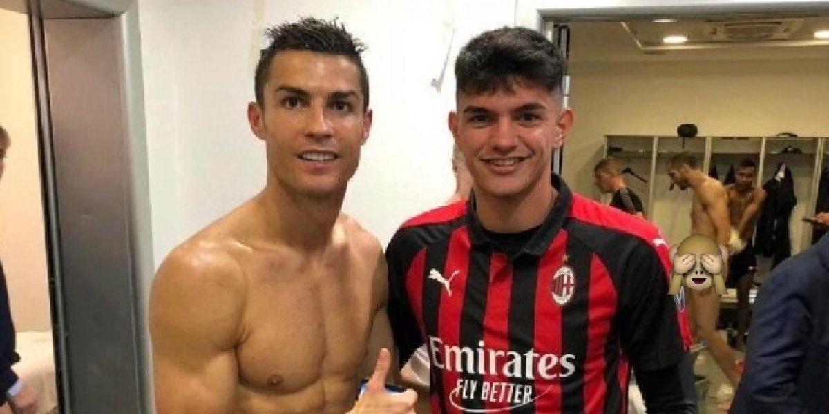 Chiellini muestra de más en foto de Cristiano Ronaldo