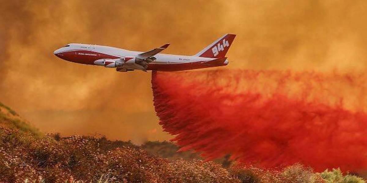Devastadores incendios en California: El avión más grande del mundo hace su entrada para combatirlos