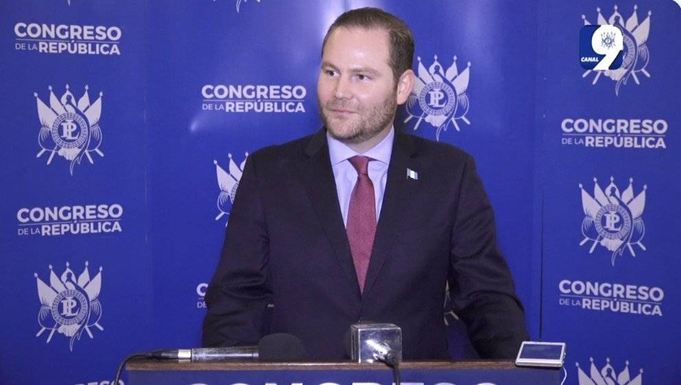 El diputado Álvaro Arzú fue reelecto el presidente del Congreso. Él es hijo del fallecido alcalde capitalino Álvaro Arzú Irigoyen. Foto: Captura de pantalla
