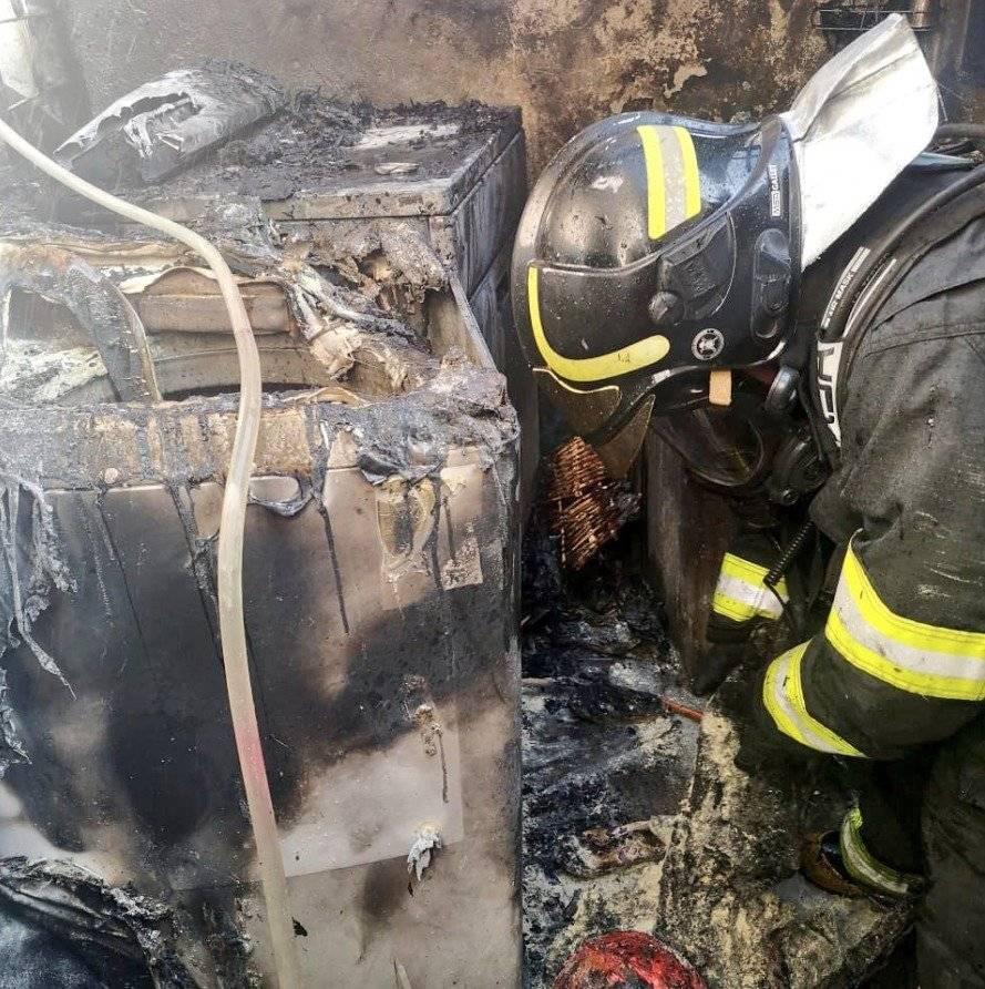 conato de incendio estructural en El Inca BOMBEROS QUITO
