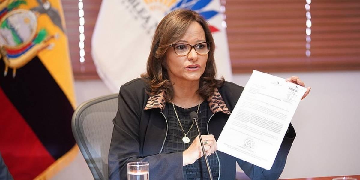 """La petición de Elizabeth Cabezas a la ciudadanía: """"Estén vigilantes de la votación en el Pleno"""""""