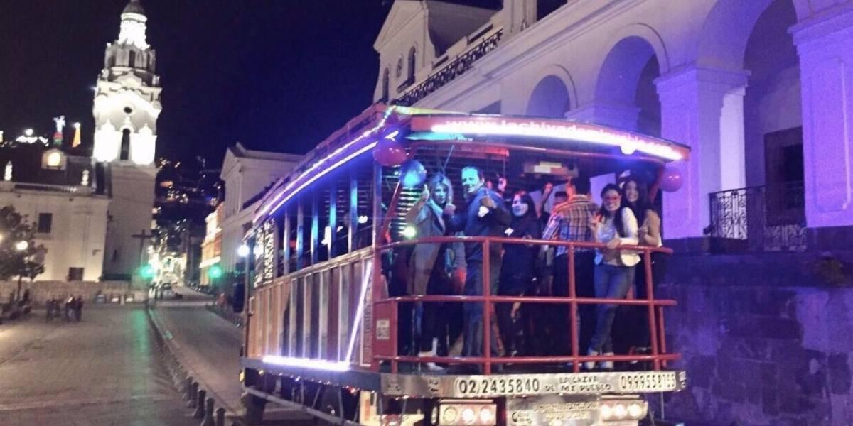 ¿Cómo alquilar una chiva para Fiestas de Quito?