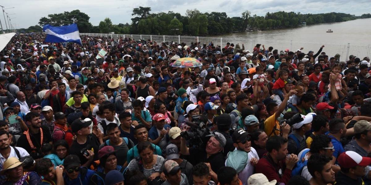Más de mil migrantes llegan a la frontera con Estados Unidos