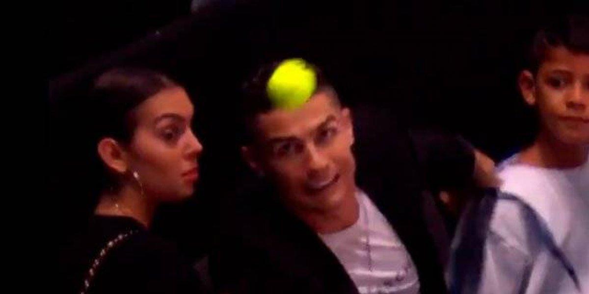 VIDEO. Cristiano Ronaldo quiso proteger a su novia y terminó con un blooper