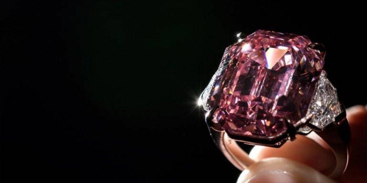 """FOTOS. Así es el diamanterosa """"Pink Legacy"""", subastadopor millones de dólares"""
