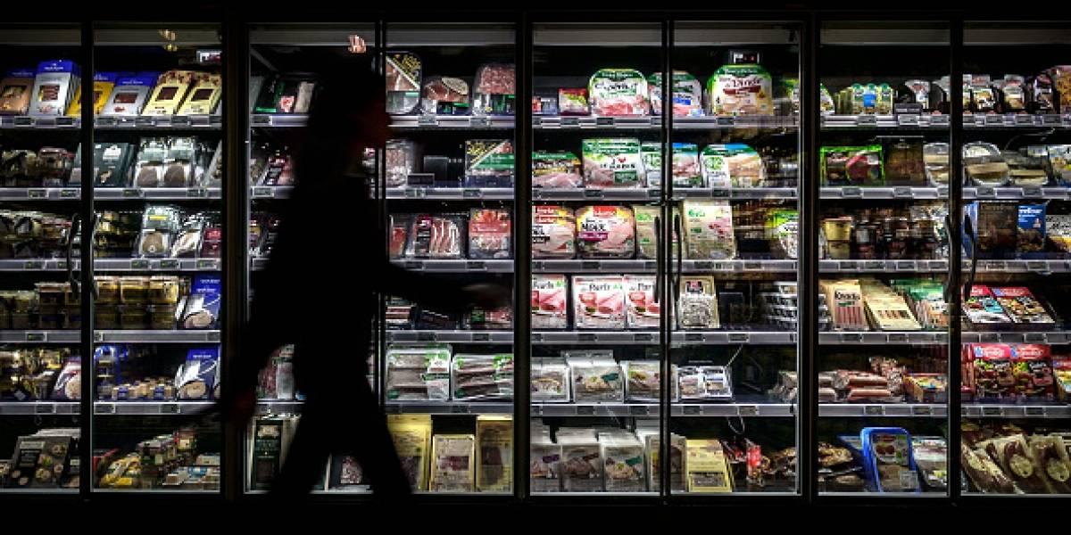 """""""Soy la más sola de Reino Unido"""": Mujer visita supermercados para interactuar con otras personas"""