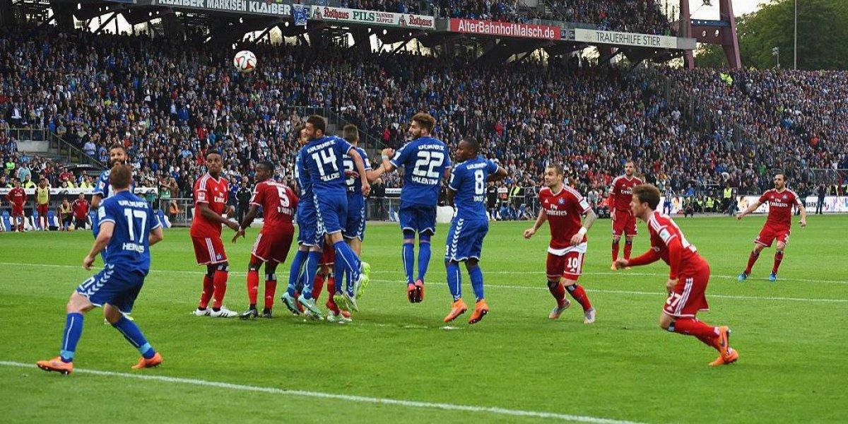 Marcelo Díaz pasó a la inmortalidad en Alemania con libro que recuerda el gol que salvó del descenso a Hamburgo