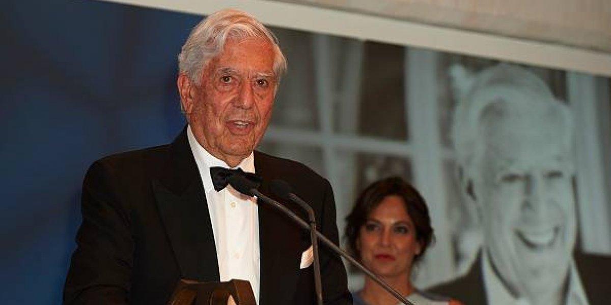 Lenín Moreno dialogó con el escritor peruano Mario Vargas Llosa