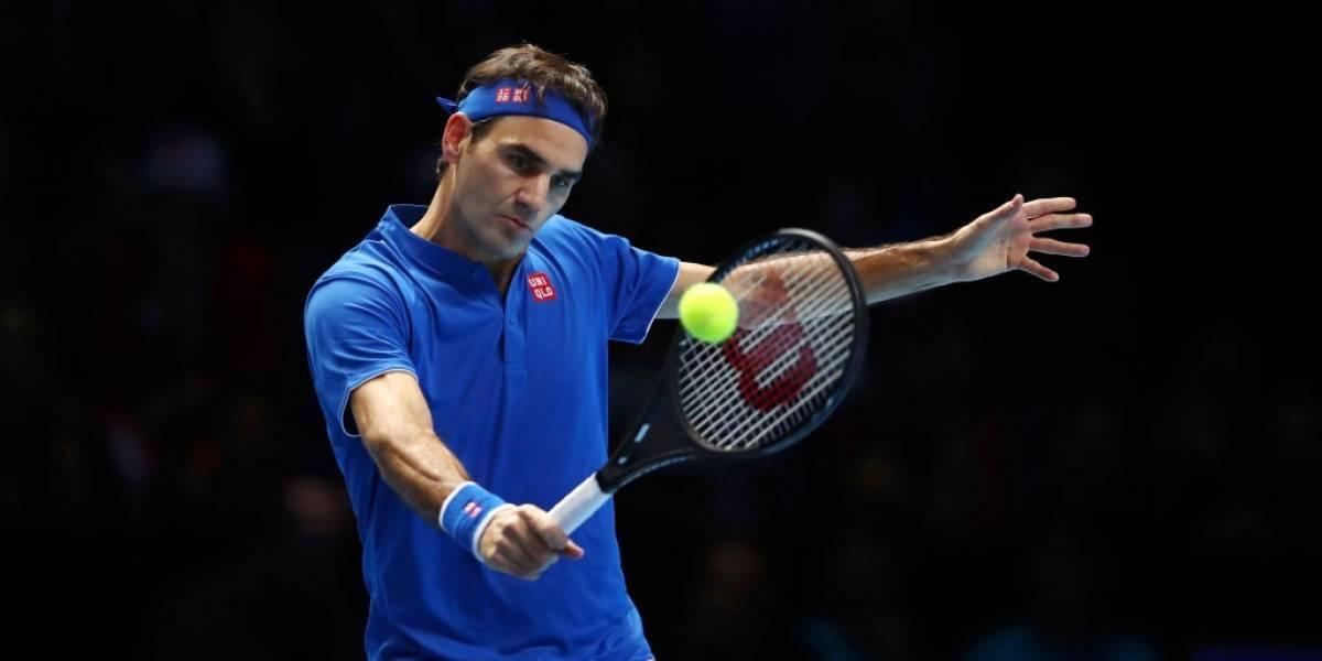 Roger Federer se mantiene con vida en las Finales de ATP