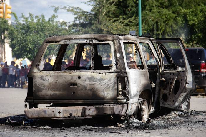 WhatsApp y Fake News: campesinos son víctimas de rumor y los queman vivos