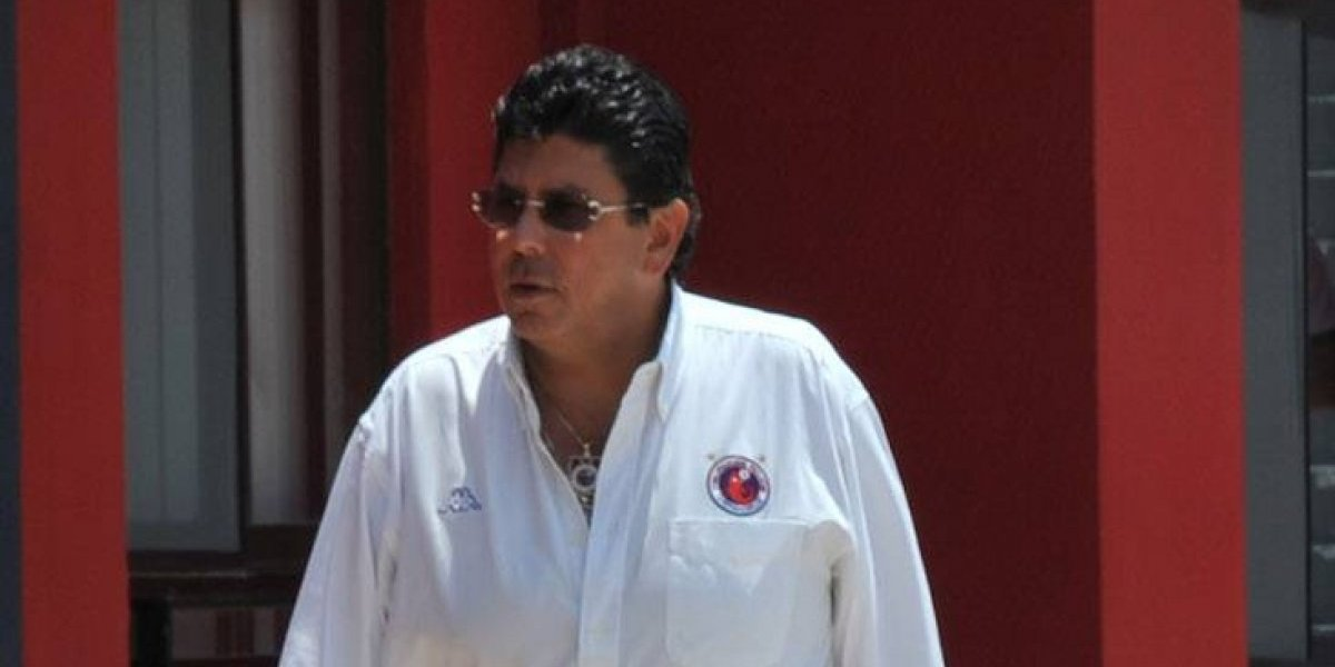 Veracruz separa a René Isidoro García