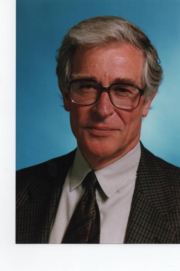 Ian Mills, profesor de metrología en la Universidad de Reading, Reino Unido