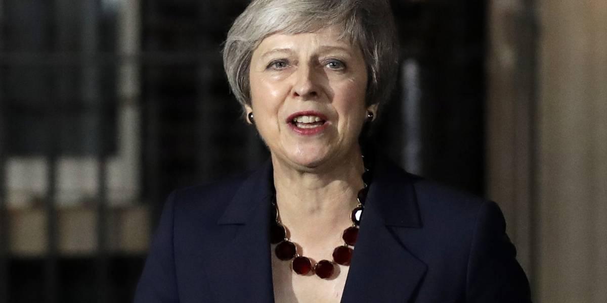 """El Gobierno británico respalda el acuerdo del """"brexit"""": May"""