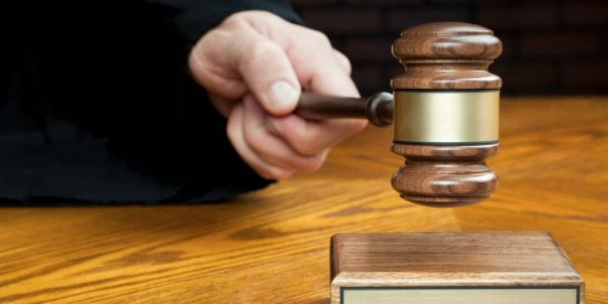 """Juez inglés desata una polémica luego de afirmar que es un """"derecho humano fundamental"""" que un hombre tenga relaciones sexuales con su esposa"""