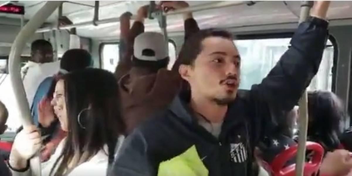 VIDEO: estudiantes se suben a TransMilenio para explicar los motivos del paro