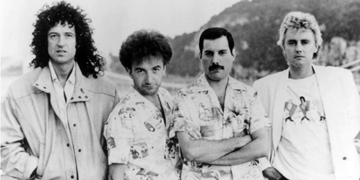 Este es el aspecto del bajista de Queen, John Deacon