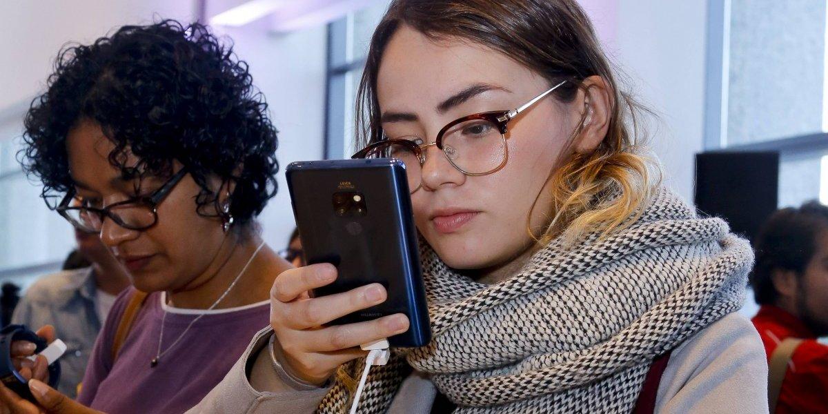 Prohibirán venta de celulares en los tianguis