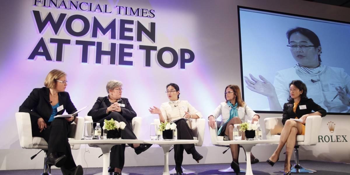 Bot busca la paridad de género en el Financial Times: Avisa a periodistas cuando hay pocas mujeres en sus notas