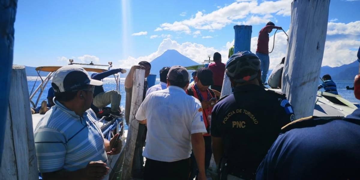 Embarcación se hunde en lago de Atitlán y deja varios fallecidos