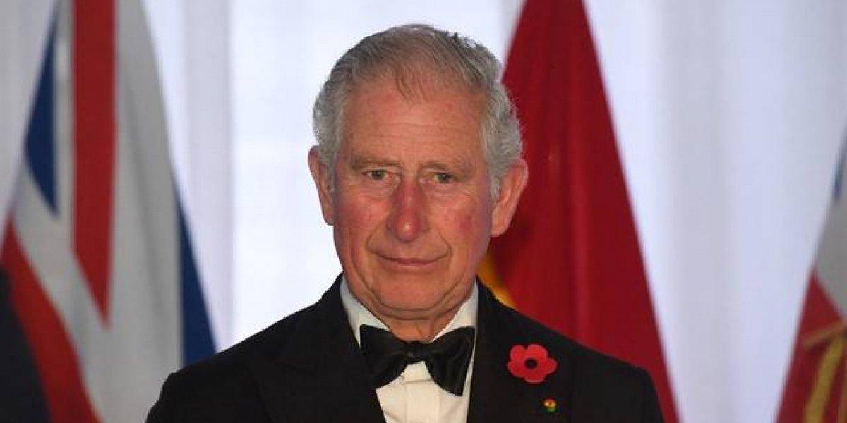 El Príncipe Carlos celebra sus 70 años con una hermosa foto histórica