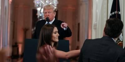 Casa Blanca dice poder decidir qué periodistas ingresan