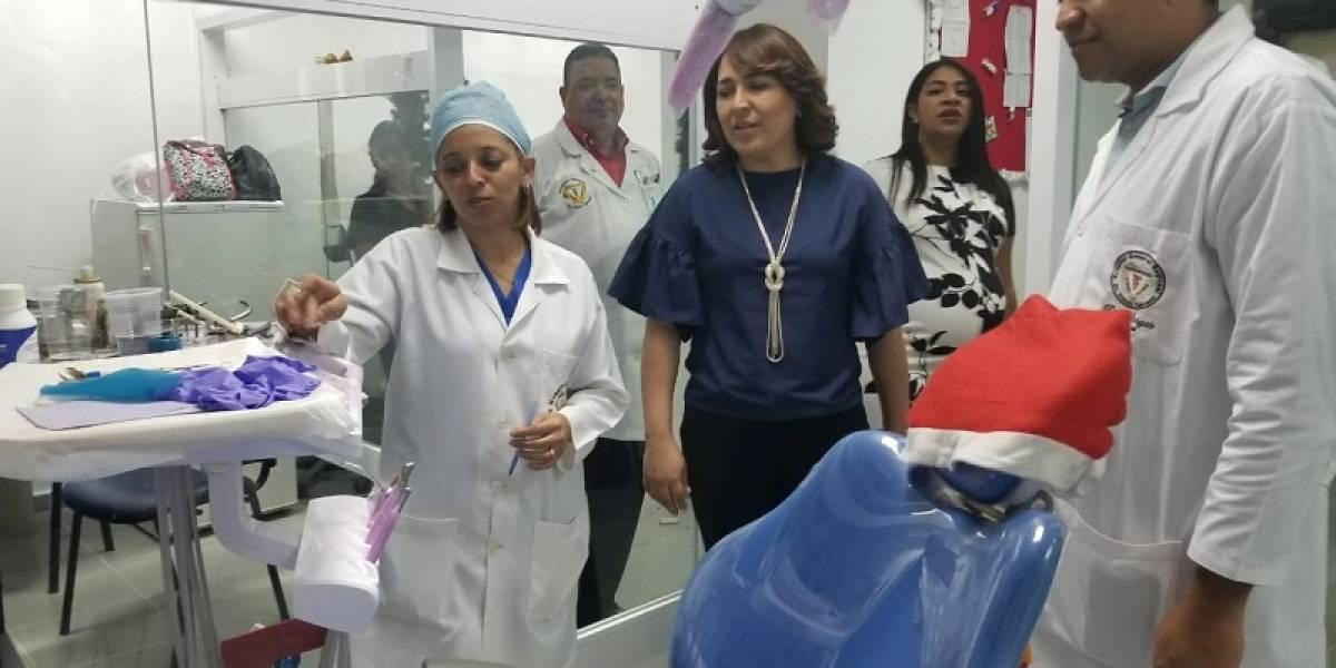 Presidente de Acroarte visita Hospital Vinicio Calventi