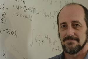 https://www.publimetro.com.mx/mx/bbc-mundo/2018/11/15/estamos-viajando-al-futuro-constantemente-el-fisico-roberto-emparan-sobre-las-aparentes-rarezas-de-la-teoria-de-la-relatividad-de-albert-einstein.html