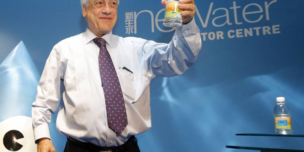 Sebastián Piñera probó en Singapur agua de alcantarillado reciclada y se asombró con simulaciones en realidad virtual