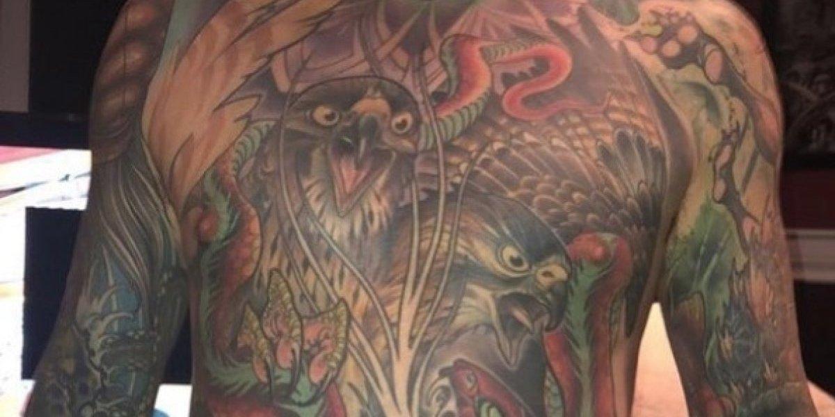 Quería preservar sus tatuajes después de su muerte: le pidió a su esposa que le sacara toda la piel y la transformara en una obra de arte