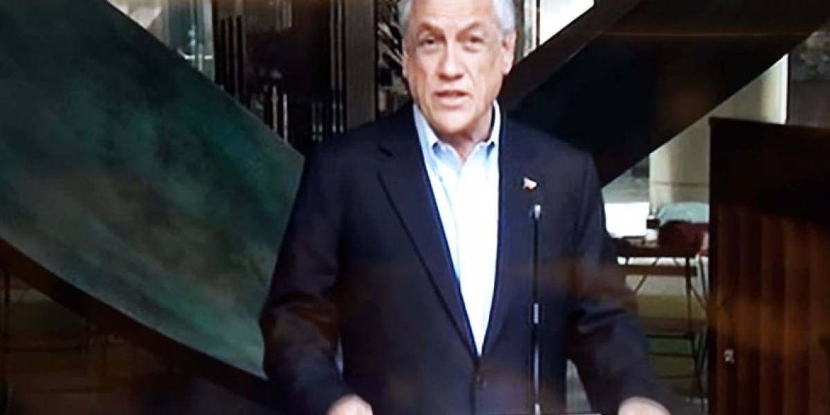 Piñera condenó desde Singapur desórdenes en Plaza Italia y ataque a comisaría en Ercilla